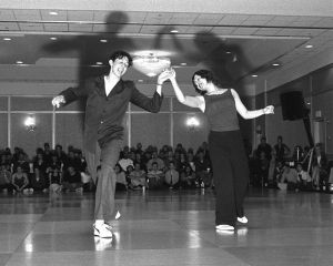 Naomi & Matt performing their Frenesi routine at ALHC 2001